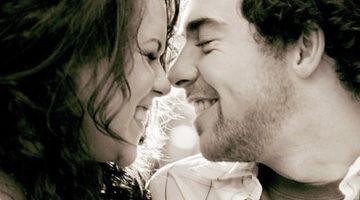 8 Hal Yang Membuat Wanita Menarik Di Mata Pria