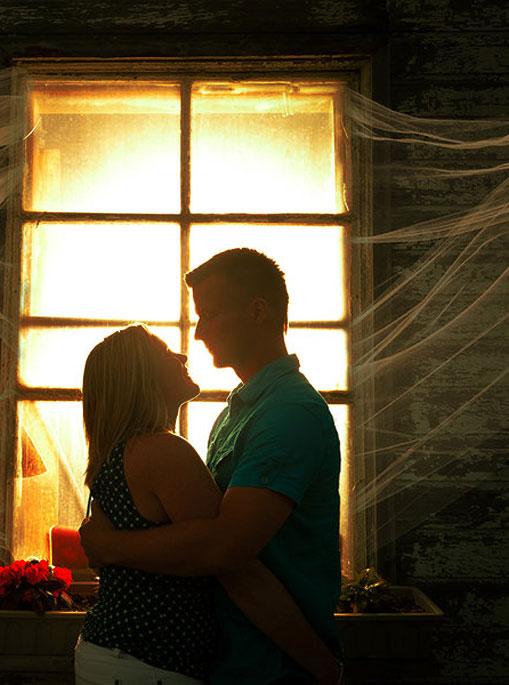 Manfaat Pelukan Suami Istri - Love : Efek Luar Biasa dari Sebuah Pelukan Suami Istri