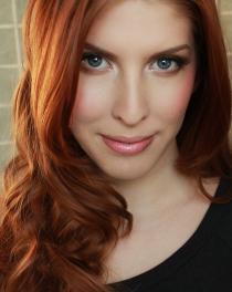 Trik Tampil Menarik dengan Make Up Minimalis di kategori Kecantikan