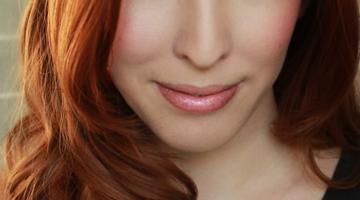 Trik Tampil Menarik dengan Make Up Minimalis