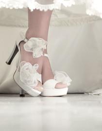 10 Sepatu Wedding Terfavorit Pengantin Wanita di kategori Pernikahan
