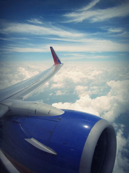 11 Tips Agar tetap Tenang s - Wisata : 11 Tips Agar tetap Tenang selama Penerbangan