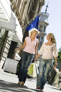 7 Alasan Mengapa Wanita Gemar Belanja di kategori Gaya Hidup