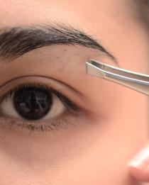 Bahaya Mencabut atau Mencukur Alis Mata di kategori Kesehatan